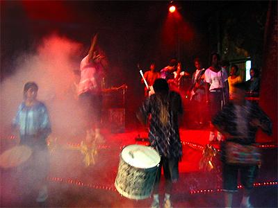 Banda Beija-Flor em apresentação cultural no ECBF