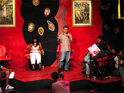 Ator Gero Camilo encantou toda a platéia ao recitar uma poesia de sua autoria.